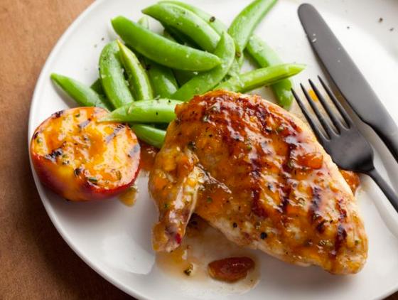 recipe five grilled chicken breast with spicy peach glaze