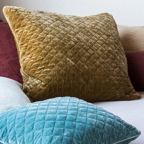 bella-notte-linens-silk-velvet-quilted-shams